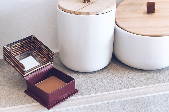 Benefit Hoola Bronzer Close-Up